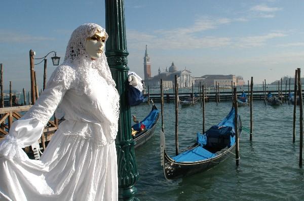 dama_in_bianco.jpg